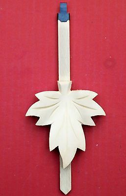 New hand carved large Black Forest made cuckoo clock pendulum  (Large)  ( 3 n ).