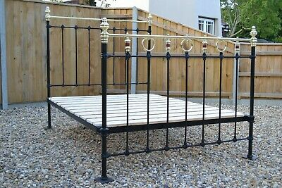 Lovely Antique Victorian 4ft 6in Double Brass and Iron Bedstead & pine bed base
