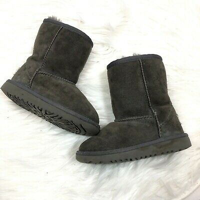 109b9551a19 UGG TODDLER CLASSIC short boot size 9 gray suede fur lined