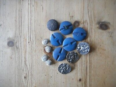 Small selection of old interesting buttons.