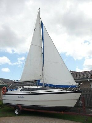 Macgregor 26x Trailer sailboat
