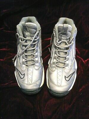 sports shoes 6d489 78c87 Nike Air Griffey Max II Size 11 Style 452171-011 Baseball Shoes Gray White