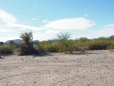 RV Lot with Gorgeous Mountain Views near Quartzsite