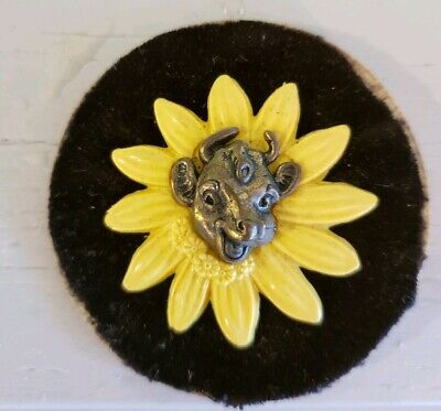 Vintage 1950's Borden Dairy Co. Advertising Pin - Elsie the Cow on Yellow Daisy