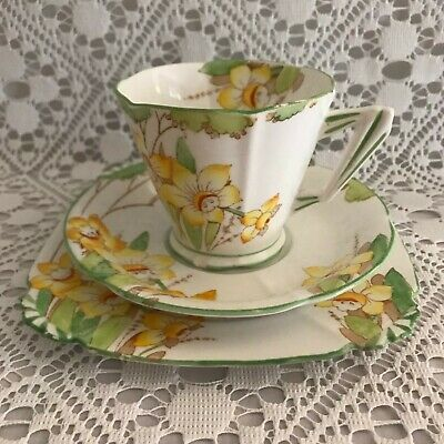 Vintage Royal Albert China Tea Cup Saucer Cake Plate Trio - Daffodil Reg 784772