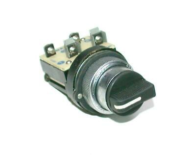 Cema 2-Position Momentary Spring Return Selector Switch 1 N.C. Contact
