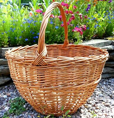 Make this Willow Shopping Basket: a weaving kit for beginners