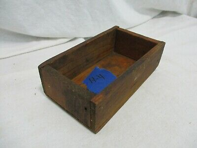 Old Primitive Vintage Antique Wood Small Box Compartment Display Trinket H4