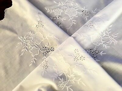 "Vintage Hand Embroidered White Cotton CIRCULAR Tablecloth 34"" Scalloped Hem"