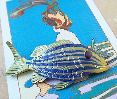 *Vintage Hand Crafted 1990s Women's Brooch- Tropical Fish Design