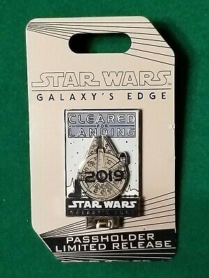 STAR WARS Galaxy's Edge LIMITED RELEASE AP Passholder Millennium Falcon Pin