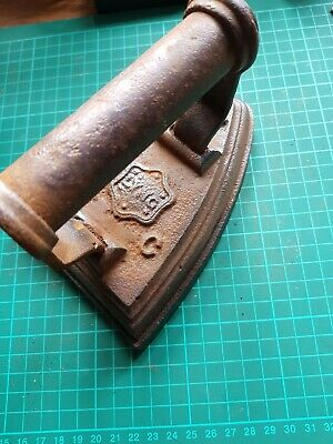 rare antique LYNG W.C No 7 Sad flat iron cast iron