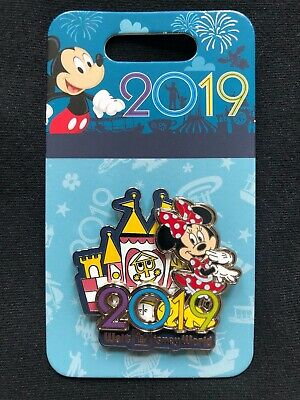 Disney Parks Pin Trading Walt Disney World 2019 Minnie Mouse It's A Small World