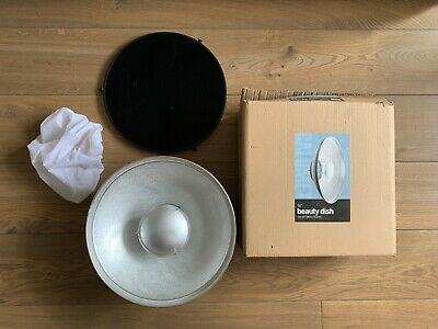 """Calumet 16"""" Beauty Dish with Grid and Diffuser - Bowens Fit"""