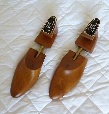 Rare Vintage Wooden Prada Milano Shoe Stretchers  In Good Condition