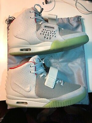 f881fe45 NIKE AIR YEEZY 2 NRG Pure Platinum Size 10 Authentic 508214-010 ...