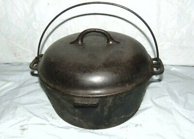 Vintage Cast Iron  Kettle  With Lid And Handle, Camp Fire Pot  10 Inch