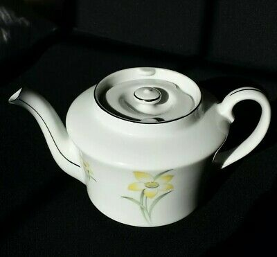 Vintage MZ Czechoslovakia Teapot. Excellent Condition.