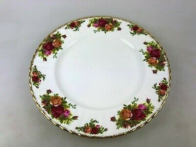 ROYAL ALBERT OLD COUNTRY ROSES DINNER PLATE - 25.5 cm across - MADE IN ENGLAND