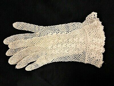Vtg Victorian Style Hand Crocheted Dainty Fishnet Wedding Tea Time Ladies Gloves