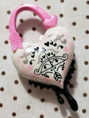 Monster High Doll Accessories Sweet 1600 C.a. Cupid White Pink Heart Purse Only