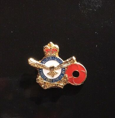 Air Force Poppy Lapel Pin *Remembrance Day * ANZAC Day*NEW 25mm