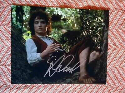 Elijah Wood Signed Photo 8X10 With Coa Lotr Frodo Autograph Lord Of The Rings