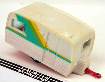 Yatming Caravan Camper Trailer White Plastic w/Red Base 1/64 Scale (Yellowed)