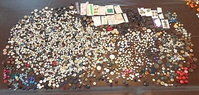 Old Vintage Mixed Lot Buttons Pearl Shell Metal Wood Plastic Shank Some Cards