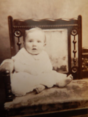 Vintage Cabinet Card Photo Victorian View Baby Bare Foot G.Thompson, Orange, MA.