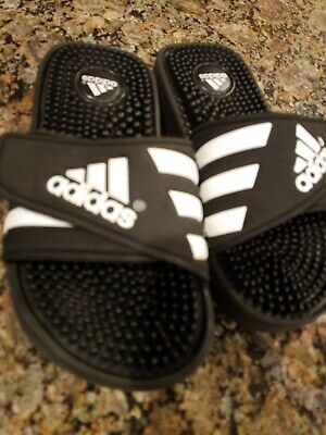aa1579e13e2e2 KIDS YOUTH ADIDAS Adissage Black & White Slides Slip-on Shoes Size 3 ...