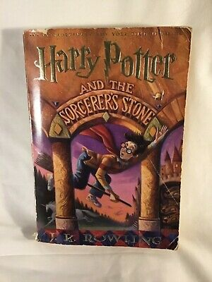 Harry Potter and the Sorcerers Stone 1st Scholastic Paperback Edition Book1