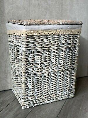 Large Grey Wicker Laundry Basket Storage Box With Washable Lining, Handles & Lid