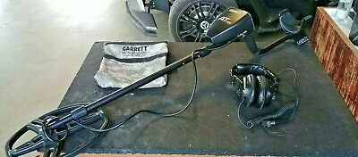 Garrett AT Pro Metal Detector + Headphones w/ their Bag  DD Coil Great Condition