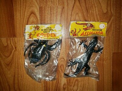 2 VINTAGE NOS 60s-70s DIME STORE TOY LOT HONG KONG SUCTION SPIDER ALLIGATOR