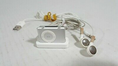 Apple iPod Shuffle 2nd Gen 1GB MP3 A1204 Silver w/ Dock & Earbuds Bundle - A3
