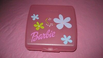 TUPPERWARE #3752 ~ SANDWICH KEEPER- Lunch Container- Barbie Pink