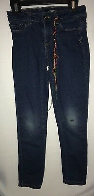 Lucky Brand Girls Zoe Jegging Jeans blue with tear on the left knee  size 7 used