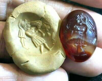 Amazing!! Ancient Carnelian Intaglio Loyal Roman Trojan Carry Friend Signet Bead