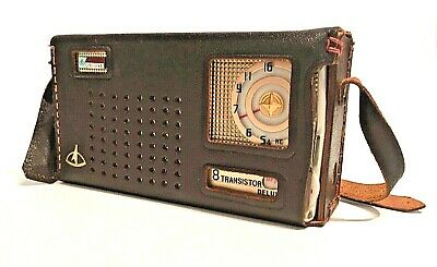 Vintage Wilco Deluxe ST-88 Tested Radio With Original Leather Case