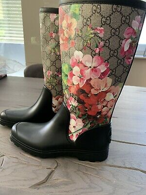 cbcee37fe Gucci Gg Supreme Monogram Rainboots Blooms Rain Boots Flat Rubber Boots 36