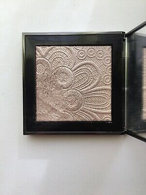 Burberry Highlighter 02 Nude Gold
