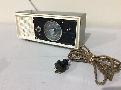 Vintage Retro Astor M5D MW Band Radio Australian History Working