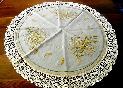 "Vtg Khaki Linen Doily Table Topper Embroidered Small Gold Flowers 30"" In Dia"