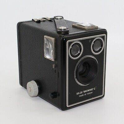 Kodak Six-20 Brownie Model C Box Camera (first issue) with bag c.1946-1953 - VGC