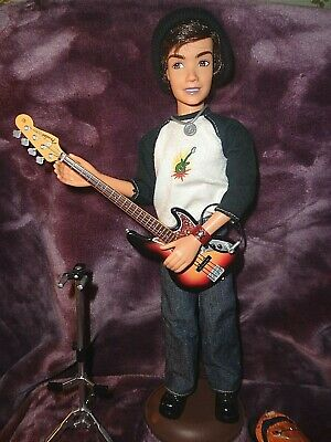 MY SCENE RIVER DOLL AS BAD BOY FRIEND Guitarist FENDER JOINTED EXCELLENT!