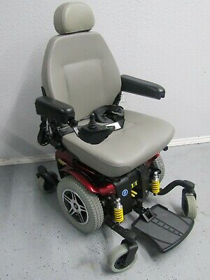 jazzy 614 hd wheelchair in pristine condition,450 lb capacity  new  batteries