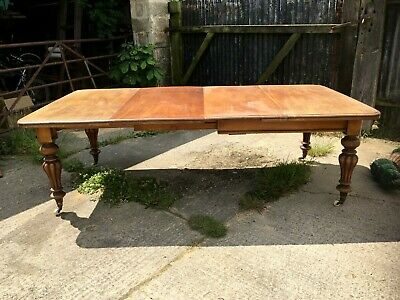 Victorian Mahogany Extending Dining Table With 2 Leaves
