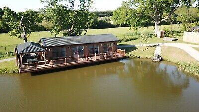 LAST MINUTE Luxury Lodge Holiday Lakeside Fishing Private Hot Tub Adult Only