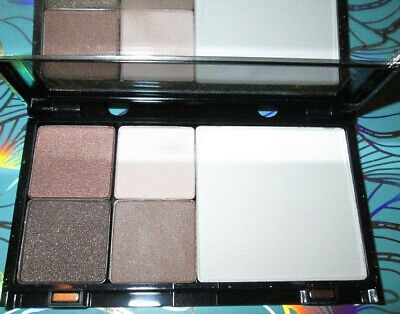 TRISH McEvoy MAKEUP WARDROBINB PETITE PAGE W/ SHADOWS, DEFINER + POWDER $139 Ret